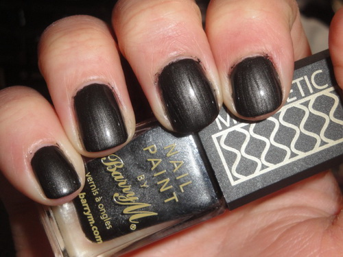 black magnetic nail polish Getting the Right Nail Polish Colors