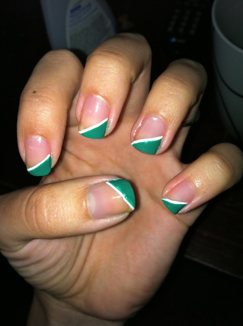 green and white colored nail Colored Nail Tips