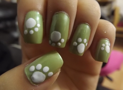 green and white simple cute nail Cute Simple Nail Designs