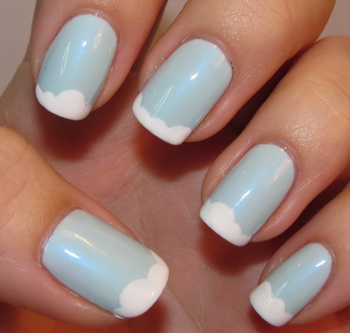 white-and-blue-nail-tips