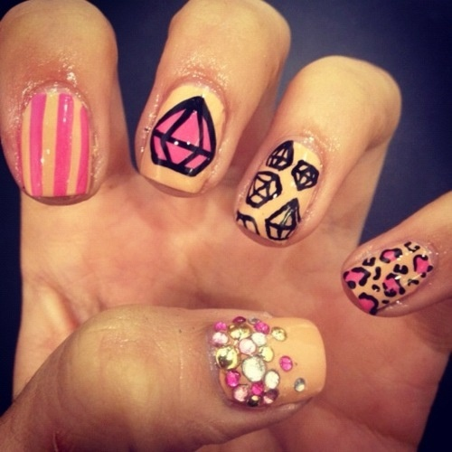 Diamond Nails1 Diamond Nail Designs & Ideas