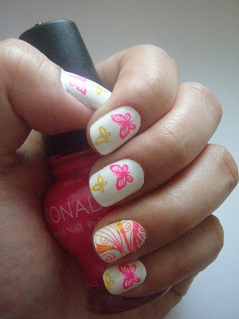 Konad Nail Art - How to Apply? | Nail Designs Mag