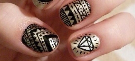 Simple Black and Gold Nail Designs You Can Do Yourself!