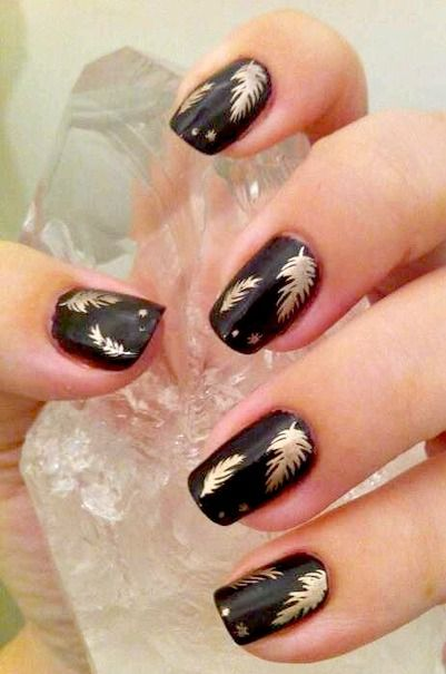 Black And Gold Nail Designs 5